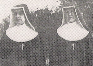 2 Catholic nuns in America