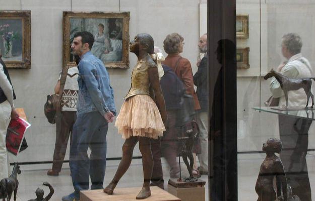 Sculptures De Danse  U00e0 Paris